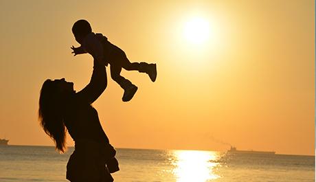 IRPF | Exención de las prestaciones por maternidad/paternidad
